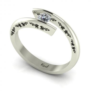 Mimi Eden eljegyzési gyűrű